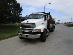 2007 STERLING GRAPPLE TRUCK (SW07)