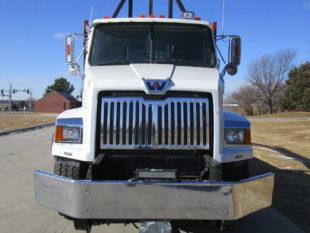 2015 WESTERN STAR 4700SB Hirail Grapple Truck (623)